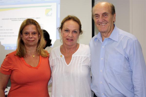 Adriana Carvalho, Anita Pires e Roosevelt Hamman, novos diretores empossados em fevereiro de 2011