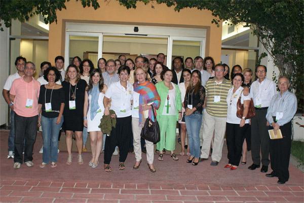 Todos os presentes ao evento, com Tatiana Marques (esq.) e Anita Pires a frente. Foto de Alexandre Galvão