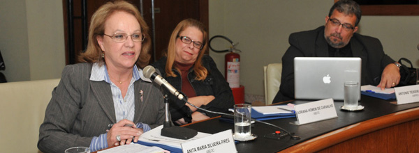 Anita Pires e Adriana Carvalho representaram a ABEOC na CET