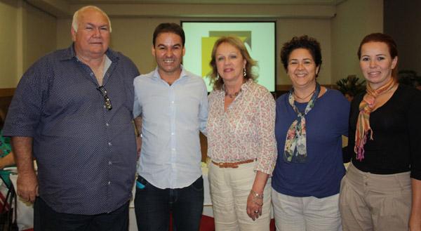 Isac Tillinger, Cristiano Marques, Anita Pires, Rosana Bety, presidente da ABEOC-RJ e Suelen Cordeiro, diretora de marketing do Búzios CVB