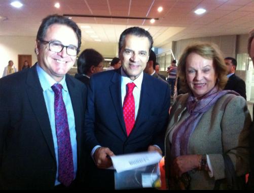 Ministro do Turismo Henrique Alves recebe a Carta de São Paulo